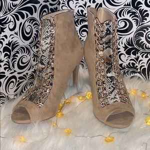 NWOT Suade Tie-Up Heels